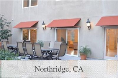 3 bedrooms Apartment in Northridge. Parking Available!
