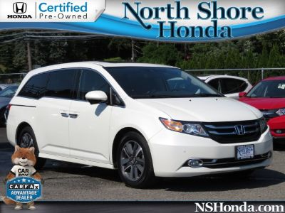 2015 Honda Odyssey Touring (white)