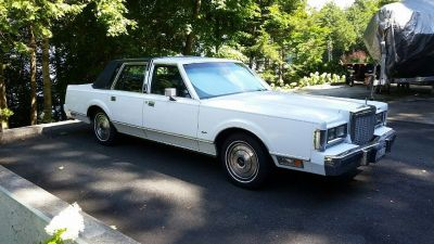 1986 LINCOLN TOWN CAR - BASE MODEL (9/20/2018 -- PRICE REDUCED)