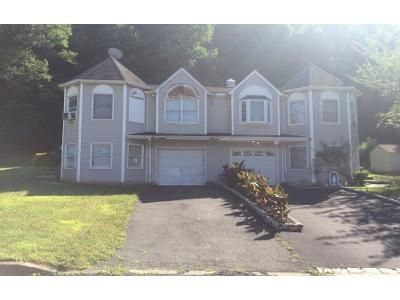 4 Bed 2 Bath Preforeclosure Property in Haverstraw, NY 10927 - Hillside Ave