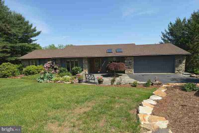 118 Clubhouse Dr BERNVILLE Four BR, Traditional design with a