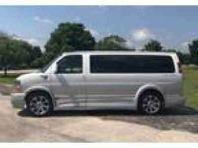 2016 Chevrolet Express Minivan in Joliet, IL