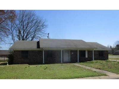 3 Bed 2 Bath Foreclosure Property in Clarksville, AR 72830 - S Meadow Pl