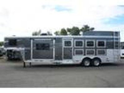 2020 Lakota Charger 8411 RK 4 horses