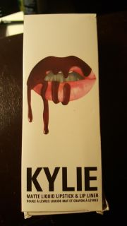 Kylie lipstick and liner set