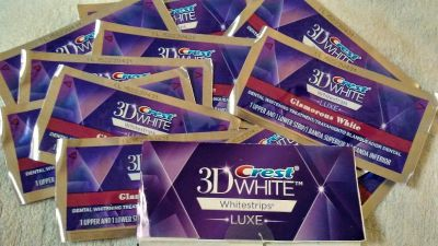 Crest 3D Luxe Glamorous White Strips