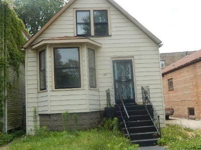 3 Bed 1 Bath Foreclosure Property in Chicago, IL 60617 - S Saginaw Ave