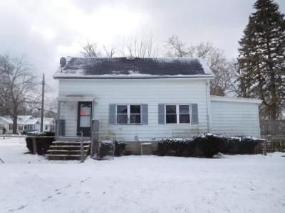 4 Bed 1 Bath Foreclosure Property in Lansing, MI 48906 - Massachusetts Ave