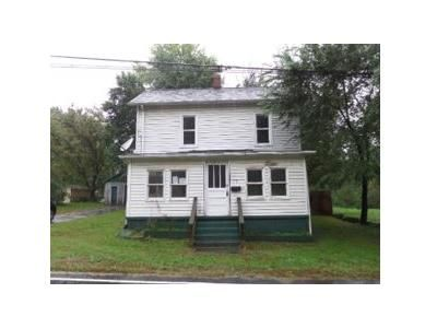 3 Bed 1.1 Bath Foreclosure Property in Narrows, VA 24124 - Main St