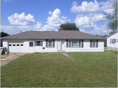 3 Bed 1 Bath Foreclosure Property in Dixon, MO 65459 - W 3rd St
