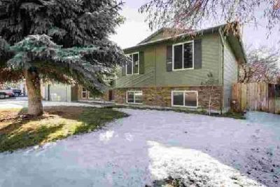 2935 S Chieftain Way Boise Three BR, Tastefully updated home