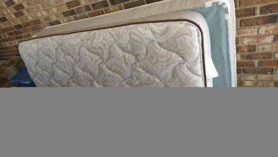 Twin bed with storage & mattresses
