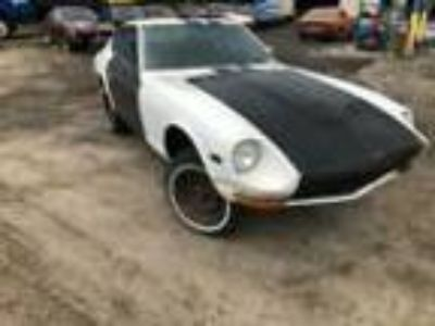 1971 Datsun Z-Series 240Z olid rolling 240z project car ready for an LS swap or