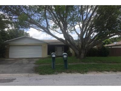3 Bed 2 Bath Preforeclosure Property in New Port Richey, FL 34653 - Edinburgh Dr
