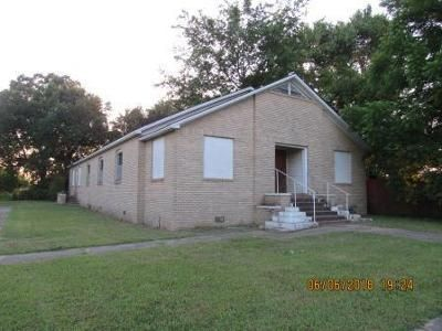 3 Bed 1 Bath Foreclosure Property in Pleasant Plains, AR 72568 - Main St