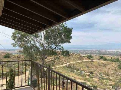 20320 Roads End Drive PERRIS Two BR, SPECTACULAR VIEW HOME!