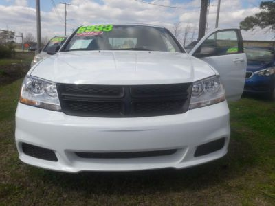 2012 Dodge Avenger SE (White)