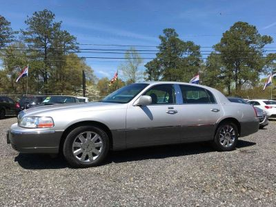 2004 Lincoln Town Car Ultimate (SIL)
