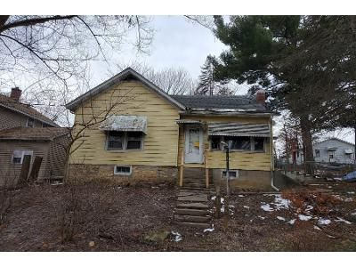 3 Bed Preforeclosure Property in Savanna, IL 61074 - N 5th St