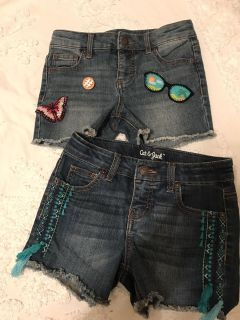Cat and Jack Shorts Size M ( fit a 10)