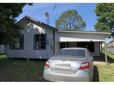 2 Bed 1 Bath Foreclosure Property in Houma, LA 70363 - Peach St
