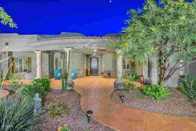 6257 W PARKSIDE Lane Glendale Five BR, This inviting estate