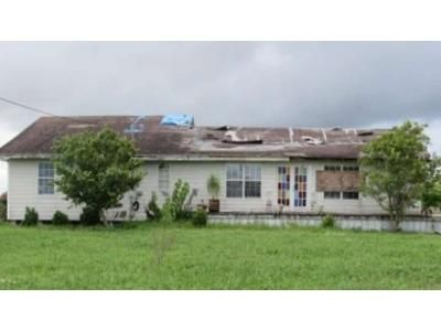 3 Bed 2 Bath Foreclosure Property in Edroy, TX 78352 - Cr 1672