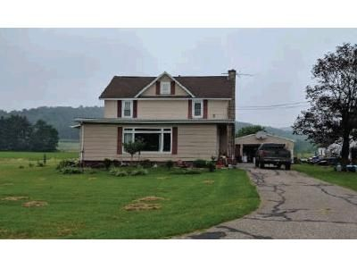 3 Bed 1.5 Bath Foreclosure Property in Elroy, WI 53929 - Weger Rd