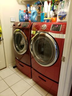 Samsung Front Load Washer, Dryer, and Pedestals