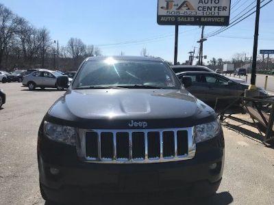 2011 Jeep Grand Cherokee Laredo (Gray)