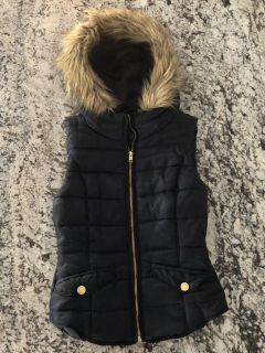 New Navy Puffer Vest w/ Faux Fur Hood (Size 4/Small)