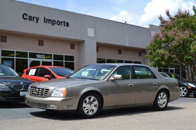 2002 Cadillac DeVille DTS (Gold)