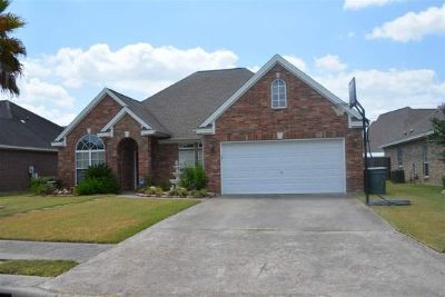 $600, 3br, Wonderful open floor plan, high ceilings, nice yard, and so much more