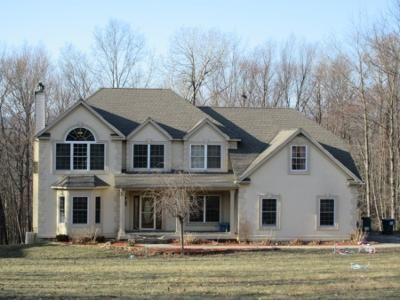 4 Bed 3 Bath Preforeclosure Property in Middletown, NY 10940 - Restorative Ln