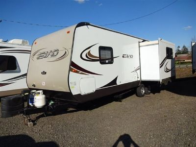 2014 Econ 2460 Rear Lounge Travel Trailer