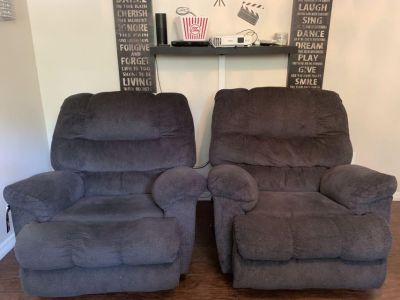 Like New With Tag Simmons Recliner