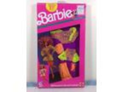 1990 Mattel Barbie And The Beat Fashions Glow In The Dark