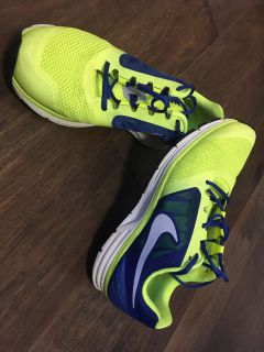 Men s Nike Zoom Size 11 - Neon Yellow and Cobalt Blue