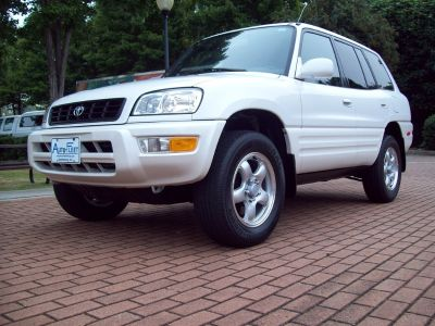 1999 Toyota RAV4 Base (White)