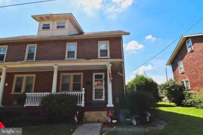 530 W 2nd St Lansdale Three BR, Adorable in-town twin home with