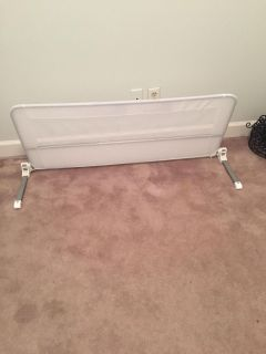 Toddler bed protector rail
