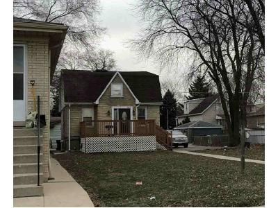 3 Bed 3 Bath Foreclosure Property in Berwyn, IL 60402 - Euclid Ave