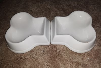 Ceramic food/ water dish small. ( separate pieces) lj p/ u fcfs
