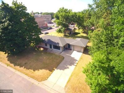 3 Bed 2 Bath Foreclosure Property in Milaca, MN 56353 - 3rd St SE