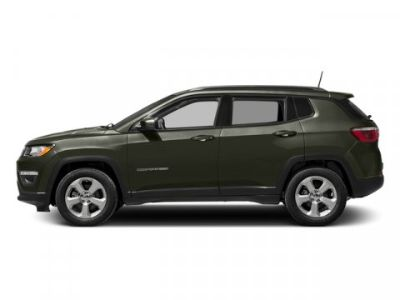 2018 Jeep Compass Latitude (Olive Green Pearlcoat)