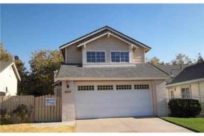 1 AMAZING TWO STORY HOME AVAILABLE RIGHT AWAY . Washer/Dryer Hookups!