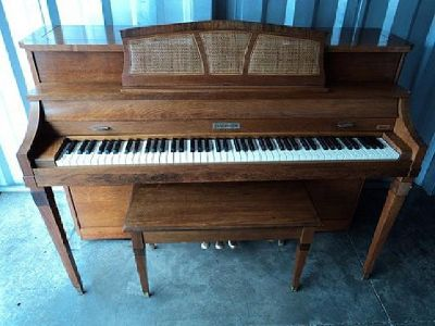$599 Baldwin Acrosonic Piano For Sale with Free Delivery to 1st Floor in New England
