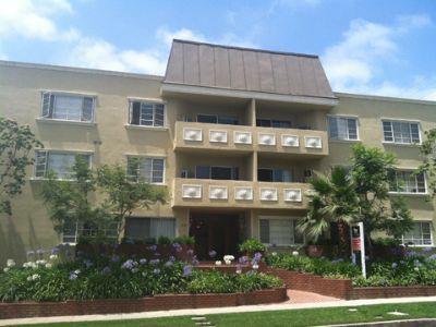 $3695 3 apartment in West Los Angeles