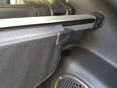 Cargo security retractible rear trunk cover Mitsubishi