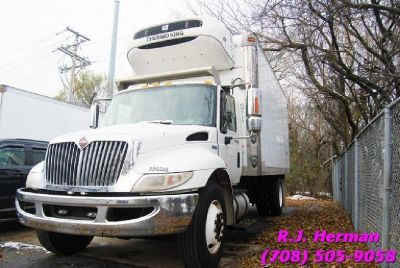 2012 Navistar 4300 18ft Refrigerated Straight Truck - (UNDER CDL)